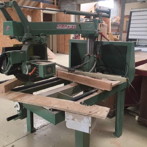 NC] [RP] Reserved for professionals: Radial saw Lyon Flex RD of 1993, type : 16.…