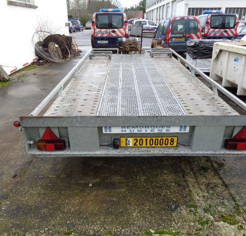 [ACI] Remorque porte voitures HUBIERE, imm. 20100008, type CNT322TR, n° de série…