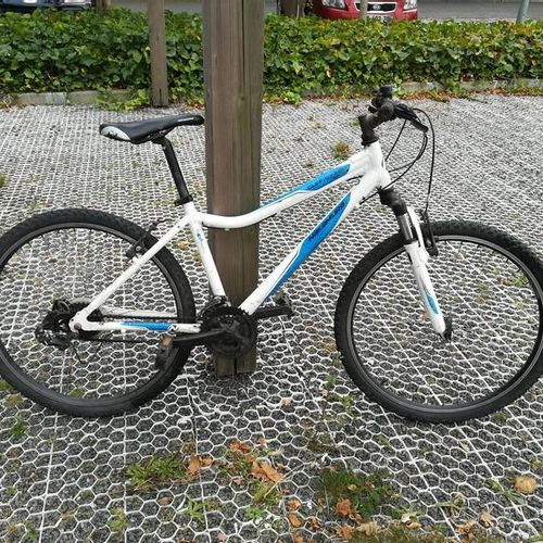 Vélo VTT marque NAKAMURA, type EXPERIENCE CITY 150, couleur noir, 18 vitesses. V…