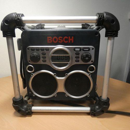 Radio Chargeur BOSCH GML 24 V Lieu de dépôt : MAGASIN DOMANIAL POITIERS 8 RUE SA…