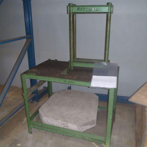 1 machine hydraulique à déformer les métaux à commande manuelle, presse d'usage …