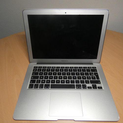 [RP]  LOT D ORDINATEURS PORTABLES :   1 ordinateur portable Apple Mac book Ai…