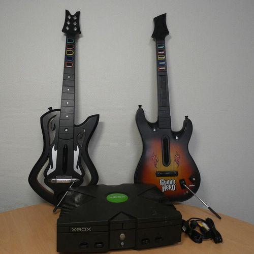 [RP]  LOT JEUX VIDEOS  Console de jeux XBOX  2 Guitares jouets 'Guitar Hero'…