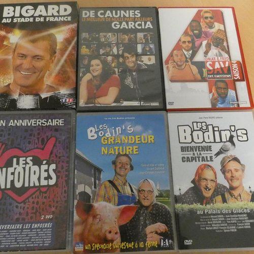 LOT MULTIMEDIA  Un lecteur DVD portable de marque PHILIPS. Un lecteur DVD TAKA…