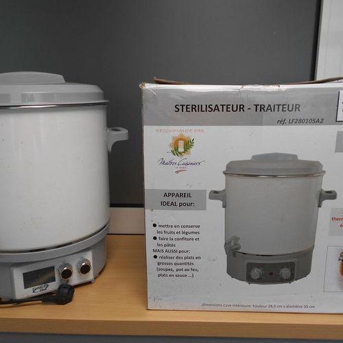 Un stérilisateur traiteur de marque Kitchen Chef, 1800Watts, 27 litres.  Dimens…