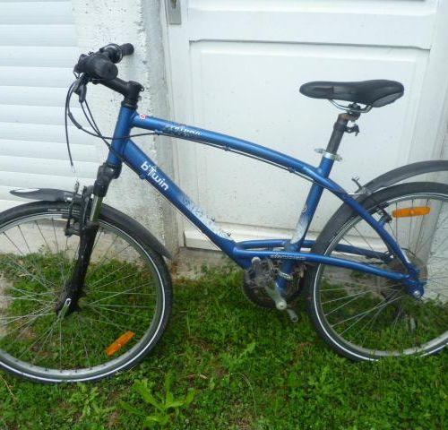 Vélo VTT, marque MONGOOSE, type CARLY PRO, de couleur vert blanc, 21 vitesses. V…