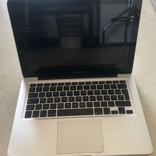 APPLE MacBook Pro 13' (2010), model A1278, serial number C02FP2YZDH2G, splinter …