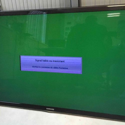SAMSUNG flat screen TV, model UE55D630055XZF, without stand, with connectors and…