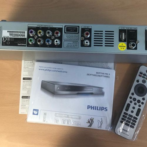 Lot composed of :  home cinema PHILIPS, HES4900/12 , PHILIPS Blu ray DVD player…