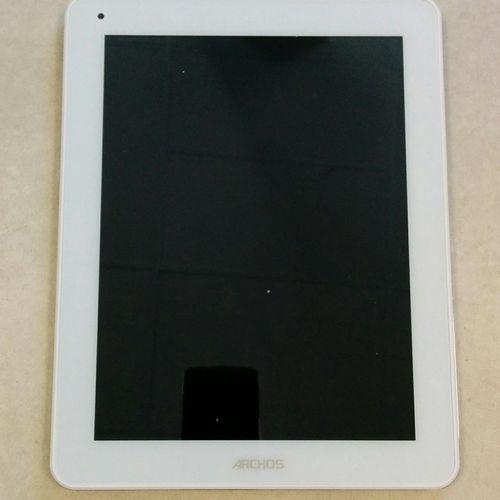 Lot composé de 3 tablettes ARCHOS :  9 7 xenon, modèle AC97XE,android 4.0, 3G,…