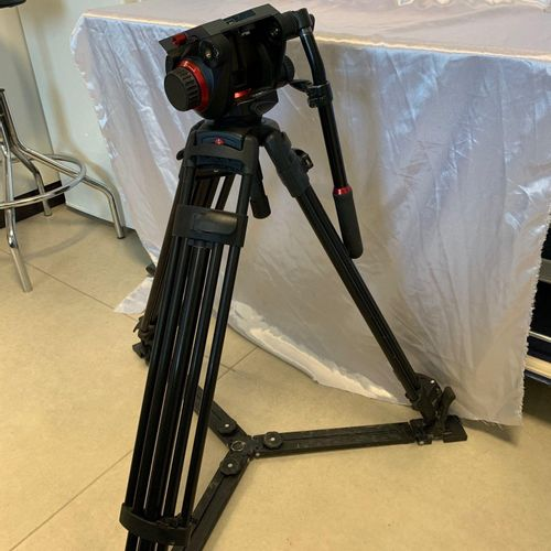 Tripod with video head MANFROTTO 504HD, serial number SN/F1930053, made in Italy…