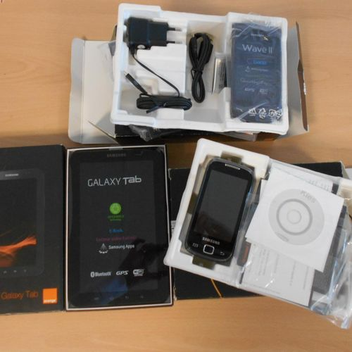 Lot of 7 smartphones and 1 tablet, brand new in their box:  SAMSUNG tablet, Gal…