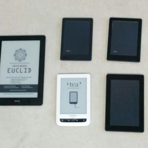 Lot of 5 reading lights without connectors: 2 Kobo, Cultura PocketBook Touch Lux…