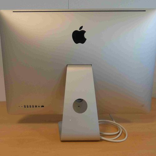 APPLE iMac 27' (2009), model A1312, serial number VM0272TA5RU, with connectors, …