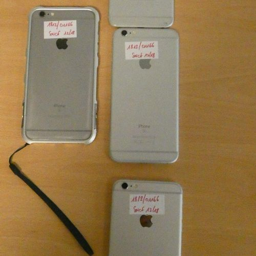 [RP] Lot consisting of approximately 23 iPhone APPLEs: 2 iPhone 4 , 3 iPhone 5 C…