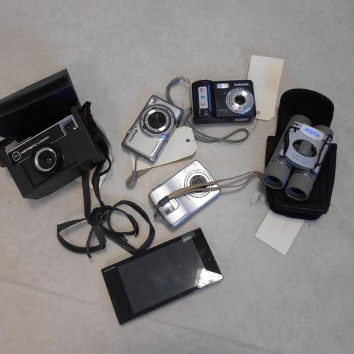 Lot composed of: 4 cameras, without connectors: SAMSUNG Digimax S500, 5.1 Mp , F…