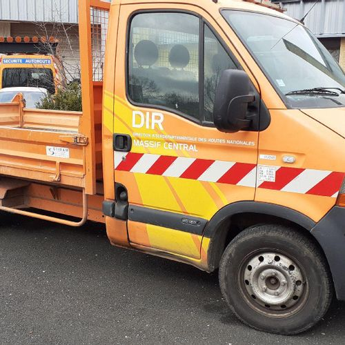 [RP] Professional lot only. RENAULT Master Benne, Gazole, imm. AW 295 EJ, Type U…
