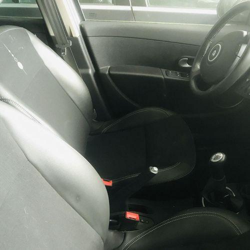 [RP][ACI]  Lot réservé aux professionnels de l'automobile. RENAULT Clio 1.5 DCI…