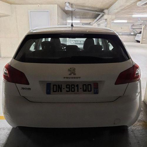 [RP] Lot réservé aux professionnels de l'automobile. PEUGEOT 308 II 1.6 e HDi 11…