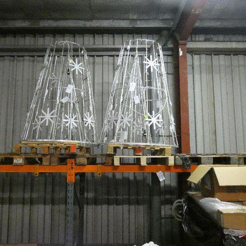 Lot d'illuminations de Noël composé de: 2 sapins coniques. Structure en aluminiu…