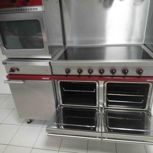 [RP] Lot réservé aux professionnels. Ensemble d'équipements de cuisine professio…
