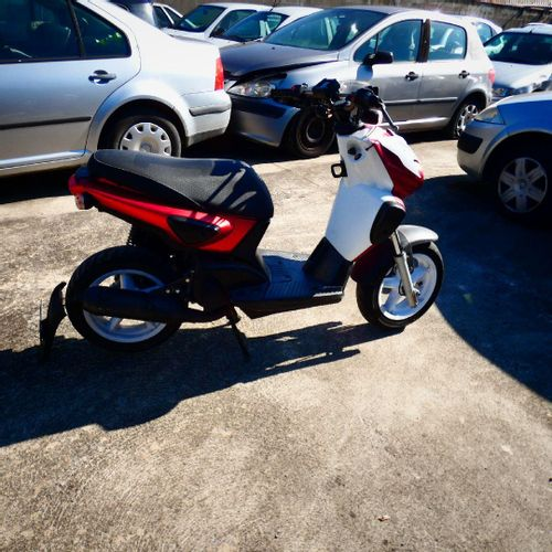 [ACI] Scooter YAMAHA Stunt, Essence, imm. DV 371 KC, Type SLIDER, n° de série VG…