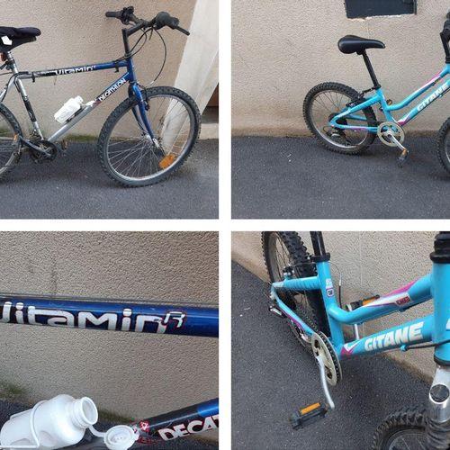 Ensemble de 2 vélos : VTT adulte DECATHLON Rockrider Vitamin R bleu avec porte g…