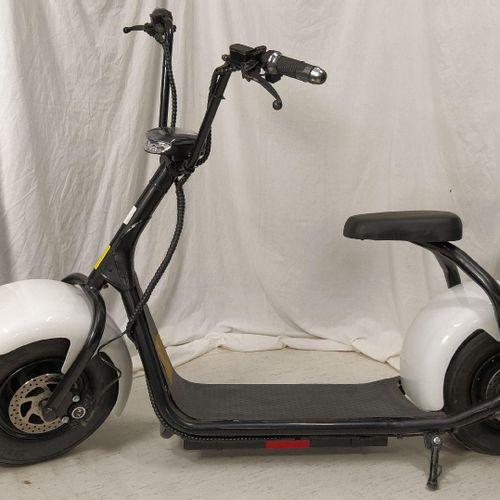 Trottinette électrique IGO Sports And Leisure modèle X100, n° série WT60V1000WB1…