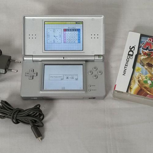Ensemble de jeux vidéo comprenant : Console de jeu NINTENDO Switch modèle HDH 00…