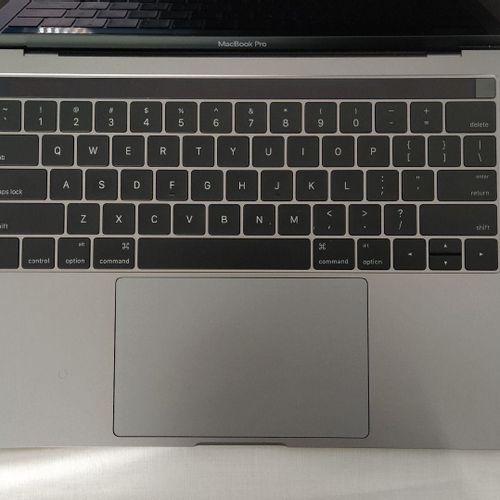 Ordinateur portable APPLE MacBook Pro modèle A1706 Écran : 13'' Système d'exploi…
