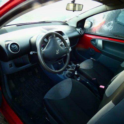 [RP] Lot réservé aux professionnels de l'automobile. PEUGEOT 107 1.0 i 68cv, Ess…