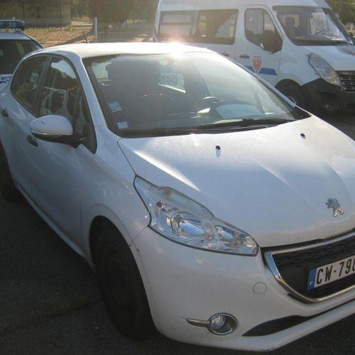 [RP] Lot réservé aux professionnels de l'automobile. PEUGEOT 208, Gazole, imm. C…