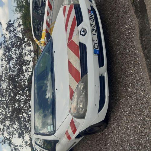 [RP] Lot réservé aux professionnels de l'automobile. RENAULT Clio II Ph 2 Campus…