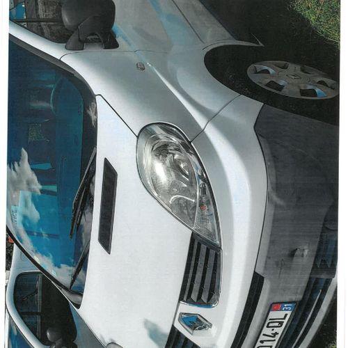 [RP] Lot réservé aux professionnels de l'automobile. RENAULT Trafic II Combi ph …