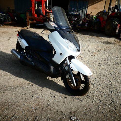 [RP][ACI] Lot réservé aux professionnels. YAMAHA. X MAX 250cc, Essence, imm. AB …