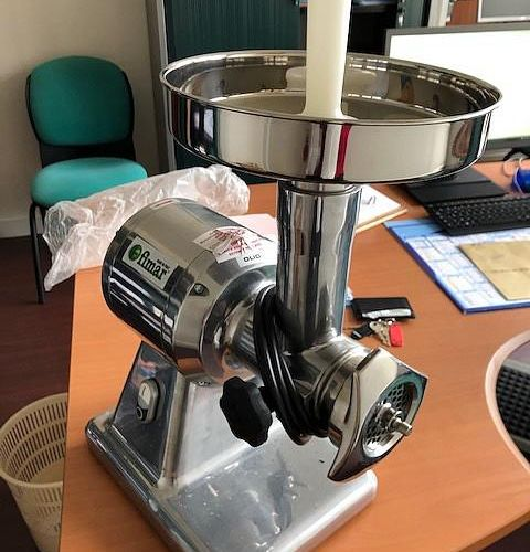 Meat mincer brand FIMAR, model TR12SQ01235M, equipment from 2013. Service remitt…