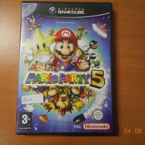 GAMECUBE PAL games console with connectors, 9 games and controller. Visits and p…