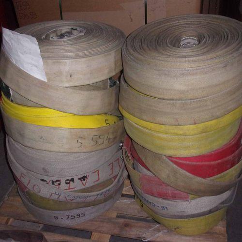 Set of 14 hoses: diameter 70, length 40 m. Service remitting : SDIS 59 Deposit l…