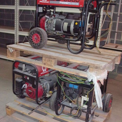 NC] Set of 3 PRAMAC ES3000 generating sets, 230 V 2.5KW. Non conforming material…