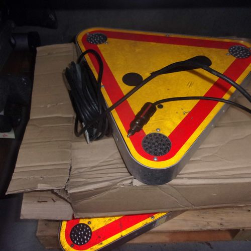 Set including 5 illuminated warning triangles for vehicles, dimensions: base 45 …