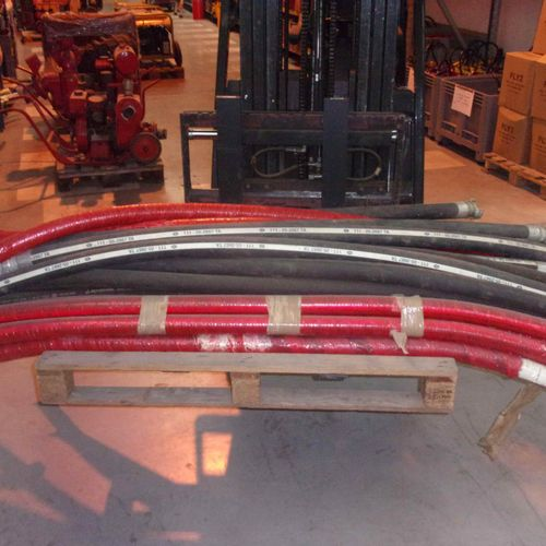 Batch comprising 30 rigid suction units: length 2 m, diameter 45. Delivery servi…