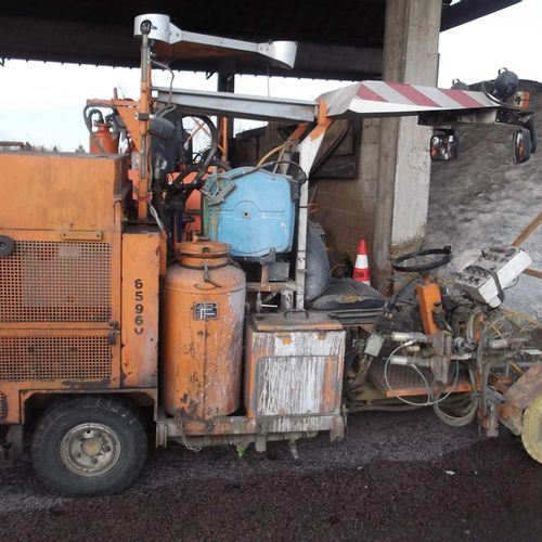 Tracking machine PROSIGN G470 AIRLESS, commissioned 17/07/1995, 3758 h. Incomple…