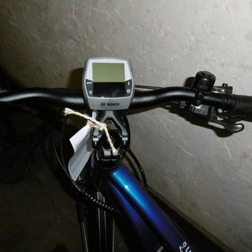 Un vélo électrique de marque CRESTA SWISS BIKE, batterie BOSCH. Ecran LCD, sans …
