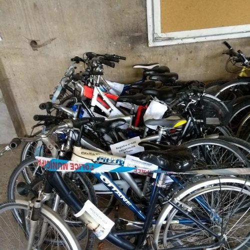 1 lot de 20 vélos de marques différentes SCOTT, MONGOOSE, MICMO, DECATHLON, OPTI…