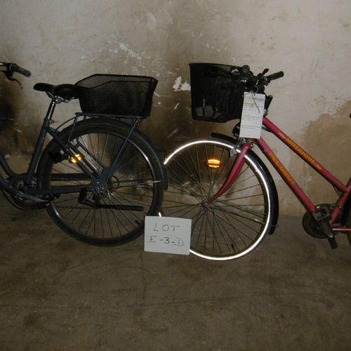 Un lot de 6 vélos (E 3 D) de différentes marques : LAPIERRE, DECATHLON, WINORA, …