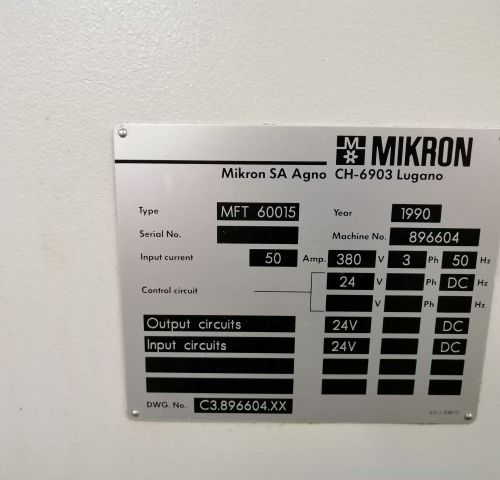Centre d'usinage MIKRON  15 POSTES BATI 60 ANNEE 1990    POCHONS