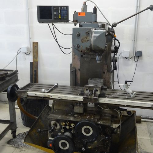 Milling machine ALCERA good condition with vice SAGOP 200