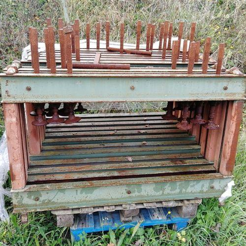 Set of 6 veneer presses