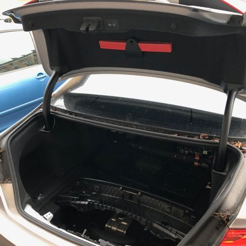 AUDI A8 4.2 l V8 TDI QUATTRO, modèle 2015 AUDI A8 4.2 l V8 TDI QUATTRO, model 20…